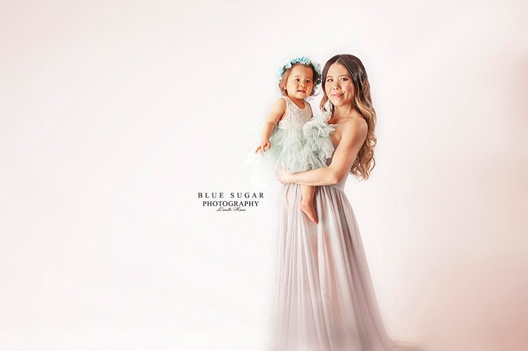 Best Maternity Photographers